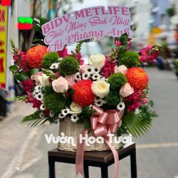 Giỏ hoa tươi Sinh nhật Cúc Mẫu Đơn phối Green Wicky