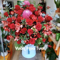 Lẵng hoa tươi Sinh nhật mẫu đơn phối hồng đỏ