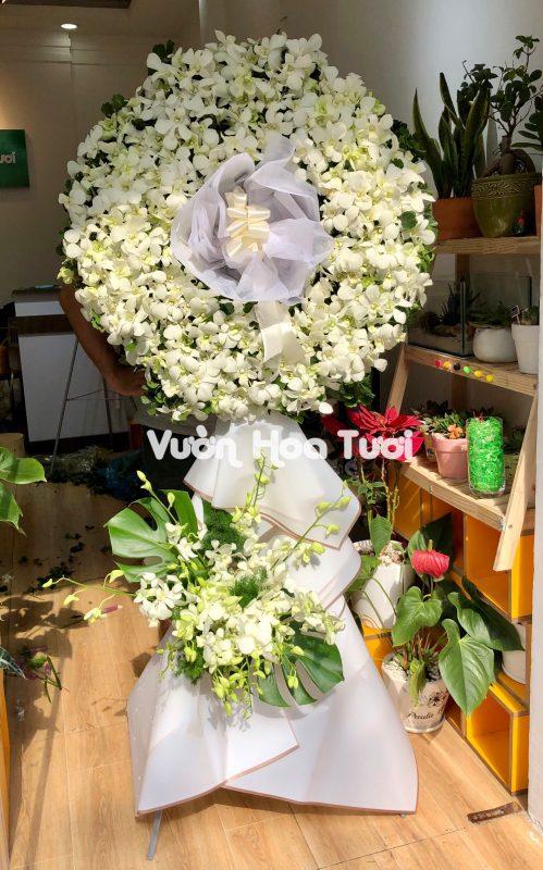 Lẵng hoa chia buồn tôn kính