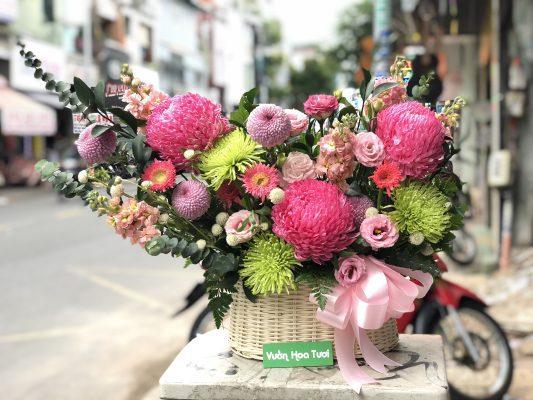 Giỏ hoa tươi Sinh nhật Cúc Mẫu Đơn Đỏ và Green Wicky