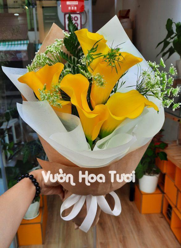 Bó hoa Rum vàng hẹn hò đầu tiên