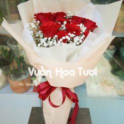 Bó hoa hồng đỏ mix cùng hoa bi