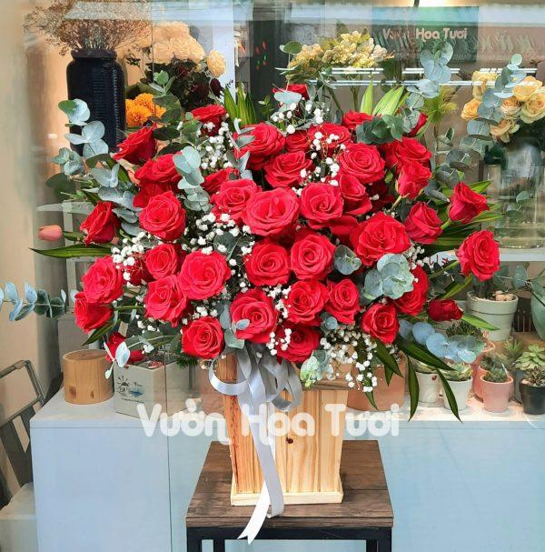Lẵng hoa khai trương hồng đỏ điểm hoa bi