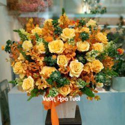 Lẵng hoa chúc mừng hồng vàng mix lan Mokara