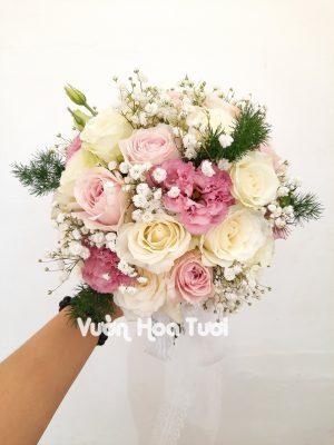 Bó hoa cưới hồng trắng điểm hồng dâu