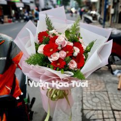 Bó hoa hồng dâu phối hoa đồng tiền-BHT57